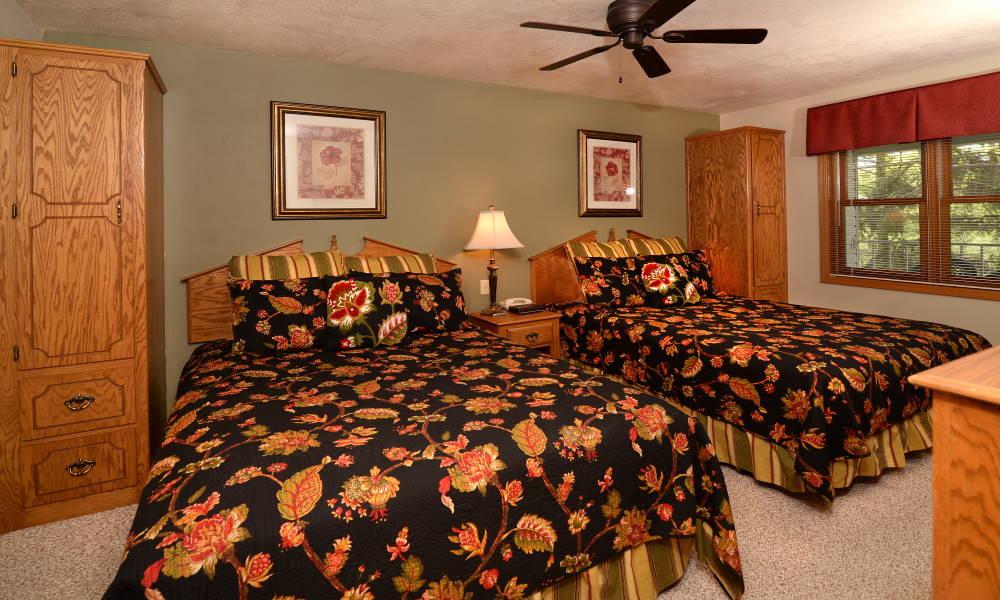 1BR 2Q Fireplace Suite
